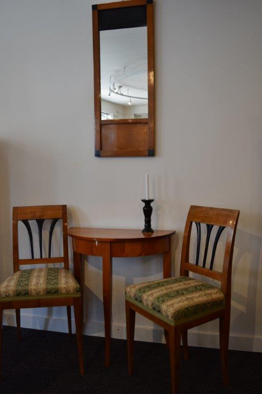 hochwertige antiquit ten kirschbaumm bel m bel aus dem. Black Bedroom Furniture Sets. Home Design Ideas